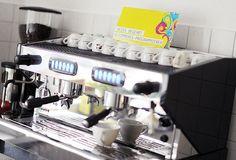 Bei #Blackbit heiß begehrt: Kaffee aus unserer neuen #Kaffeemaschine und talentierte #eCommerce #Programmierer! http://www.blackbit.de/tagebuch/e-commerce-programmierer-gesucht #Jobs