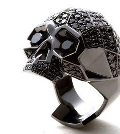 Core Jewels, X Mastermind, Japan, Skull ring ($ 10.000).