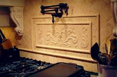 tom Stove Backsplash, Backsplash Ideas, Decorative Tile Backsplash, Kitchen Tile, Kitchen Remodel, Ceramics, Decorating, Ceramica, Decor