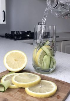 Water Aesthetic, Aesthetic Videos, Best Fat Burning Foods, Hydrating Drinks, B Roll, Ideas For Instagram Photos, Islamic Quotes Wallpaper, Beautiful Nature Scenes, Water Photography