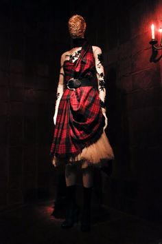 "Alexander McQueen, ""Widows of Culloden"", Autumn/Winter 2006/7"