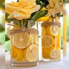 Muito Amor por esses Arranjos com frutas e flores!! Simples e fácil de fazer!!! Da um charme a mais para qualquer ambiente!! #dicaspapodecasada #dicadodia #flowers #papodecora #arranjosflorais #homedecor #decoração #decor #dicas #papodecasada #blogpapodecasada