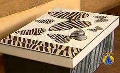 blog de manualidades te enseñamos paso a paso  a hacer todo tipo de manualidades,pintura,reciclaje,peinados,bordado,costura,halloween,navidad. Decoupage, Stencils, Crafts, Painting, Paint Ideas, Halloween, Painted Trays, Paintings, Painting Steps