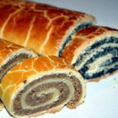Serbian Cookbook: Bejgli (Mađarske štrudlice sa makom ili orasima) - Beigli (Hungarian poppy seed or walnut strudel) Hungarian Desserts, Hungarian Recipes, No Cook Desserts, Dessert Recipes, Pastry Recipes, Cooking Recipes, Nut Roll Recipe, Kolaci I Torte, Croatian Recipes
