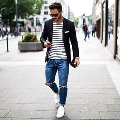 We all wear casual in our free time. Here are some great outfit ideas in casual style for men. They are perfect for this spring.
