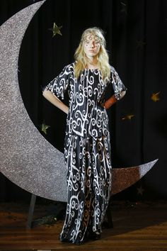 fe0a8b55d70 Romance Was Born Australia Resort 2019 Collection - Vogue Resort Wear