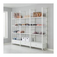 IKEA - ELVARLI, 3 Elemente, Diese offene Aufbewahrungskombination lässt sich nach Wunsch ergänzen oder verändern. Vielleicht gefällt sie dir so - wenn nicht, änderst du einfach nach Bedarf und Geschmack.Offene und geschlossene Verwahrung lässt sich nach Wunsch kombinieren - mit Böden für Dekoratives und Schubladen für alles, was man gern verschwinden lassen will.Integrierte Stopper dämpfen den Schwung beim Zuschieben und sorgen für langsames, geräuschloses Schließen der…