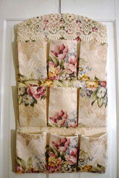 Vintage Roses Bark Cloth Barkcloth Pocket by sewmanyroses Shabby Chic Crafts, Vintage Crafts, Shabby Vintage, Vintage Roses, Vintage Sewing, Doilies Crafts, Fabric Crafts, Sewing Crafts, Sewing Projects