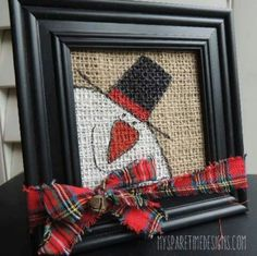 Burlap Christmas art Mom use all your frames Snowman Crafts, Christmas Projects, Holiday Crafts, Holiday Fun, Christmas Crafts To Sell, Christmas Snowman, Rustic Christmas, Winter Christmas, Christmas Holidays