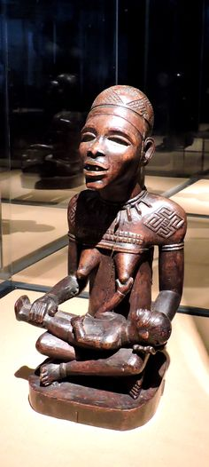 Kongo 'phemba' African Crafts, African Art, African Culture, Mother And Child, Tribal Art, Black Art, Art And Architecture, Traditional Art, African Fashion