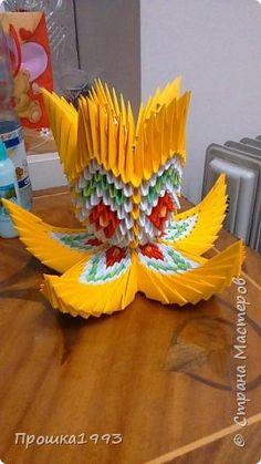 Поделка изделие Оригами китайское модульное Ваза на подставке Бумага
