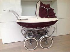 Prachtige ouderwetse kinderwagen Riemersma