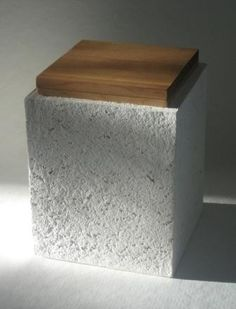 Maa- Paper pulp cinerary urn. www.paperivalo.fi