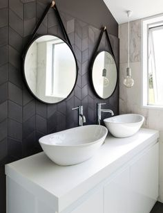 The Christchurch home that's given country living a bright, modern twist - New Design Bathroom Interior Design, Decor Interior Design, Interior Decorating, Bathroom Designs, Modern Shower, Modern Bathroom, Modern Country, Country Living, Inside Home