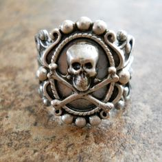 Victoriana Steampunk Skull Ring in Silver EXCLUSIVE DESIGN by EnchantedLockets on Etsy https://www.etsy.com/listing/160200820/victoriana-steampunk-skull-ring-in