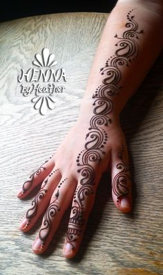 Simple Henna Tattoo Designs Swirls – Home Design Cute Henna Designs, Latest Henna Designs, Mehndi Designs For Beginners, Bridal Mehndi Designs, Mehndi Designs For Hands, Simple Mehndi Designs, Henna Tattoo Designs, Tattoo Designs And Meanings, Henna Mehndi