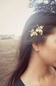 Hey, I found this really awesome Etsy listing at http://www.etsy.com/listing/81733946/daphne-ii-gold-leaf-bobby-pins-bridal