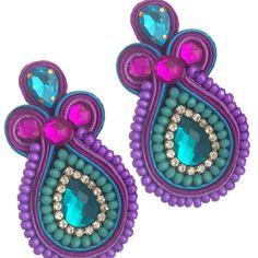 Carolina Salazar Accesorios es una empresa orgullosamente Colombiana dedicada al diseño y fabricación de joyas y accesorios tales como anillos, aretes, balacas, collares, hebillas, llaveros y pulse…