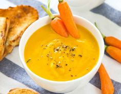 Carrot and ginger soup/Porkkana-inkiväärikeitto Vegetarian Recepies, Veggie Recipes, Gluten Free Recipes, Soup Recipes, Great Recipes, Healthy Recipes, Vegetarian Food, Vegan Food, Food N