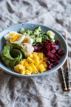 Poké bowl met bloemkoolrijst https://simoneskitchen.nl/poke-bowl-met-bloemkoolrijst/