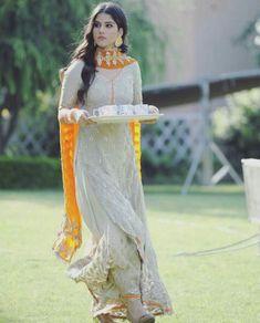 Pakistani Wedding Outfits, Pakistani Dresses, Indian Dresses, Indian Outfits, Bridal Outfits, Kurti Designs Party Wear, Kurta Designs, Dress Designs, Suits For Women
