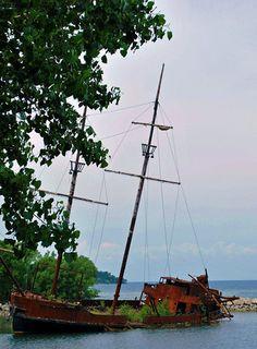 Sunken Ship, Lake Ontario