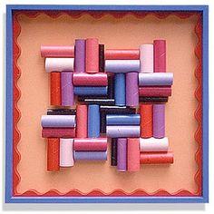 Criatividade! feito com rolos de papel higiênico.