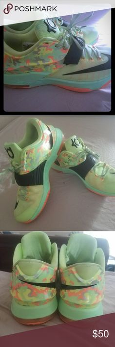 KD Easter shoes Slightly used 8.5/10 good condition Nike Shoes Athletic Shoes