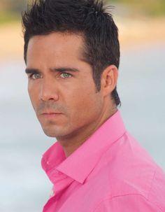 José Ron Sexy Men, Sexy Guys, Cute Actors, Green Eyes, Good People, Mexico, Boys, Action, Lights