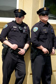 Hookup a guy in law enforcement