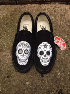 Day of the dead hand painted shoes. Dia de los muertos. Sugar skull shoes. Halloween shoes by HJArtistry on Etsy