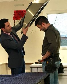 Is @mrsilverscott actually letting his brother put a range hood over his head?! #PropertyBrothers #BuyingandSelling #onset #bts #brothers #twins