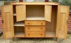 A Heal's Oak Nursery Cupboard - Antiques Atlas ?3.595