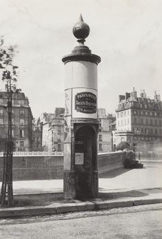 Les urinoirs publics de Paris en 1865 par Charles Marville 04 Charles Marville Urinoir à 1 stalle maconnerie Cie Drouart Boulevarts Intérieurs ca. 1865 624x920