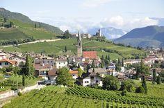 Tramin, die Perle unter den Weindörfern in Südtirols Süden. www.haushanni.com
