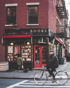 Village Gem New York – City Aesthetic City Aesthetic, Book Aesthetic, Aesthetic Pictures, Photographie New York, Photo Library, Beautiful Places, Beautiful Pictures, Around The Worlds, In This Moment