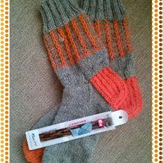 Cubicsit katkes Gloves, Fashion, Moda, Fashion Styles, Fashion Illustrations