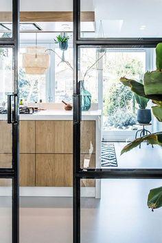 home design dream Interior Architecture, Interior And Exterior, Interior Design, Kitchen Interior, Kitchen Decor, Cocina Natural, Classic Kitchen, Home And Deco, Interior Inspiration