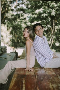 Kryz Uy and Slater Young Look So In-Love in Their Chill Engagement Shoot! Pre Nup Photoshoot, Couple Photoshoot Poses, Couple Photography Poses, Pre Wedding Photoshoot, Outfit Photoshoot, Photoshoot Ideas, Engagement Photography, Prenup Theme, Prenup Outfit