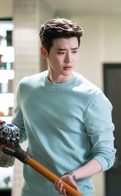 Lee jong suk ❤❤ while you were sleeping drama ^^ Asian Actors, Korean Actors, Lee Jong Suk Wallpaper, Up10tion Wooshin, Lee Jong Suk Cute, Jong Hyuk, Kang Chul, W Two Worlds, Han Hyo Joo