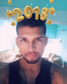 Al natural espero el 2018  #findeaño #navidad #new #anewday #moda #hairstyle #newyork #españa #stravaganza #photography #instagay #beautiful #tatto #siguemeytesigo#drink #smile #like #ultralike #fallow #funny ##cute #life #foll #addme #add #handsome #vscom