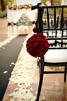 Trendy wedding decorations red and white color palettes ideas Wedding Ceremony Ideas, Ceremony Decorations, Our Wedding, Dream Wedding, Trendy Wedding, Perfect Wedding, Wedding Aisles, Wedding Backdrops, Wedding Ceremonies