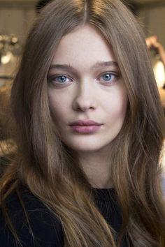 Die 32 Besten Bilder Von Blasse Haut Faces Pale Skin Und Face