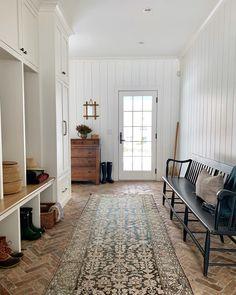 Style At Home, Decoration Inspiration, Decor Ideas, Room Ideas, Amber Interiors, Brick Flooring, Interior Exterior, Inspired Homes, Interiores Design