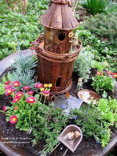 Fairy Gardens on Pinterest | Fairies Garden, Miniature Gardens and ...