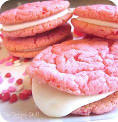Strawberry Valentine Oreo Cookies on SixSistersStuff.com