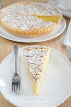 Torta della nonna - Custard pie with pinenuts   From Zonzolando.com