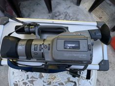 SONY DCR-VX1000 (1995) Camcorder, Sony, Vacuums, Auction, Home Appliances, Video Camera, House Appliances, Domestic Appliances, Movie Camera