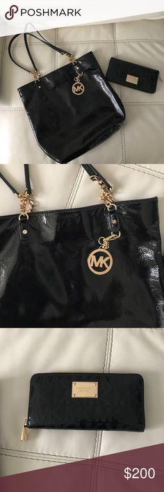 "Patent leather mk  blk purse w wallet ✨💕Patent leather black michael kors purse with matching wallet purse approx measurements are L 14""x H 13"" gold linked chain hand accents wallet is a large wallet hold 8 cards two pockets for bills and an additional zip up pocket for change.  Make me an offer 💕✨ ❤️not included in bundle offer discount but price is negotiable  ❤️ Michael Kors Bags Shoulder Bags"