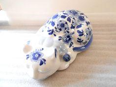 Porcelain Sleeping Cat Kitten Decorative Figural Centrum Ceramics Blue White